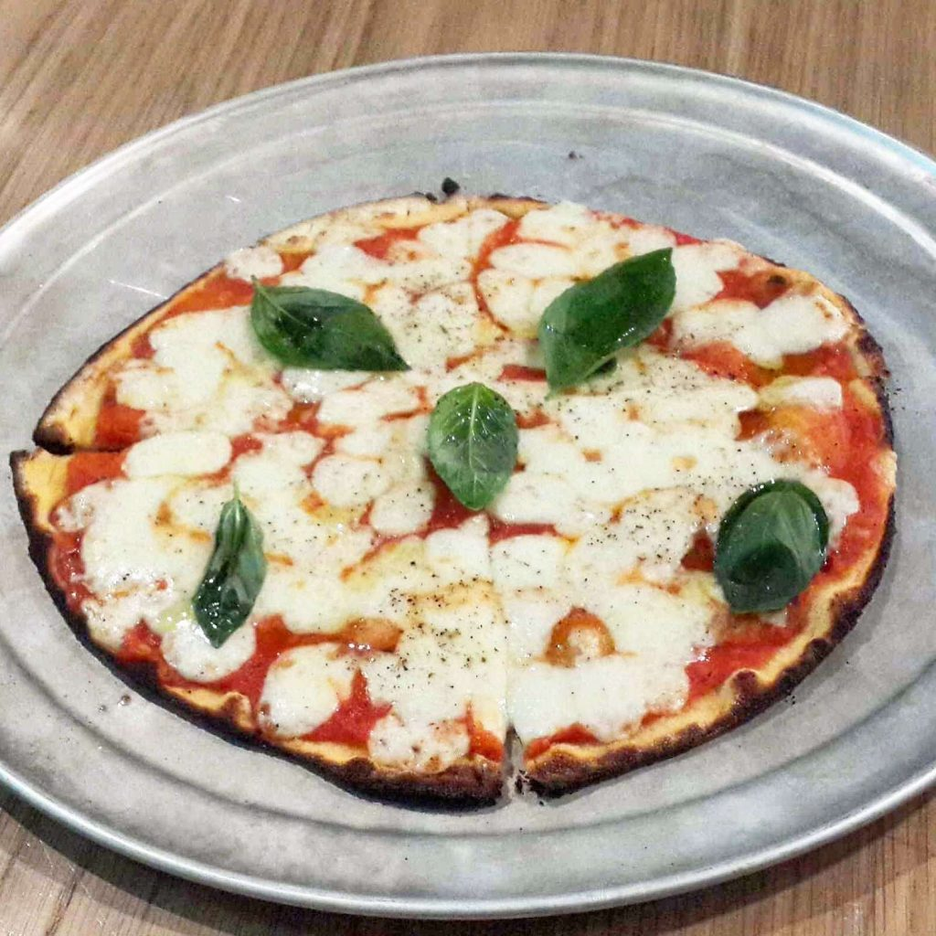 Pizza Factory Margherita 1