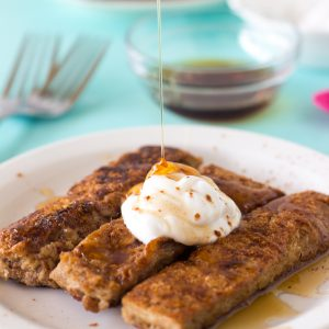 Drool Over These Vegan French Toast Recipes!-Geneva, Vegetarian Food Reviews Geneva, Veggiebuzz - Vegetarian Food Blog by Veggiebuzz