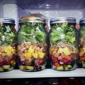 How to Make the Perfect Mason Jar Salads